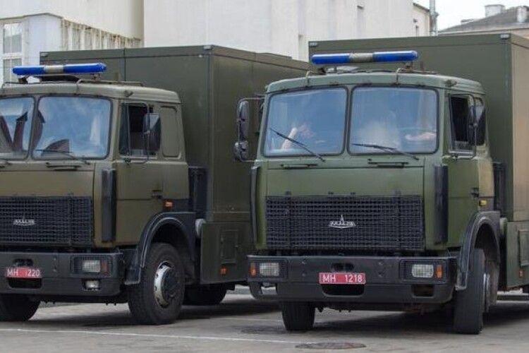 Знущання омонівців над білорусами зняли на відео