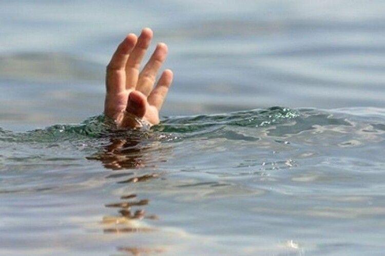 У ставку в Луцьку втопився чоловік