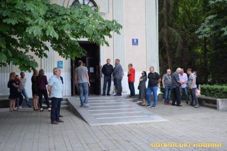 У Луцьку попрощалися з легендарним футболістом ФК «Волинь» (Фото)