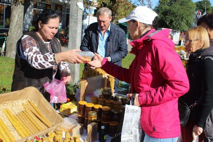Як у Маневичах відгуло 16-е свято меду