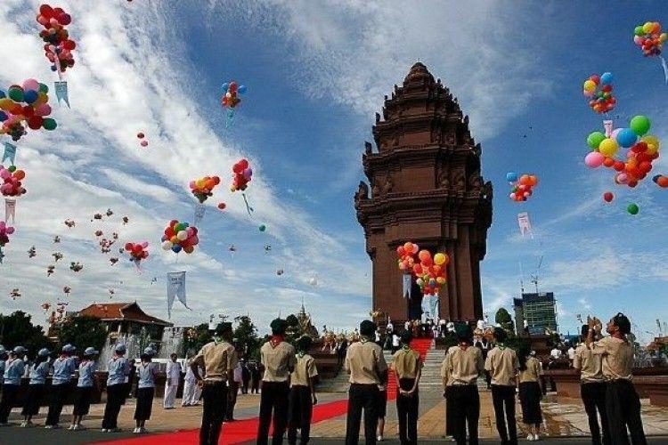 Сьогодні День Незалежності Королівства Камбоджа
