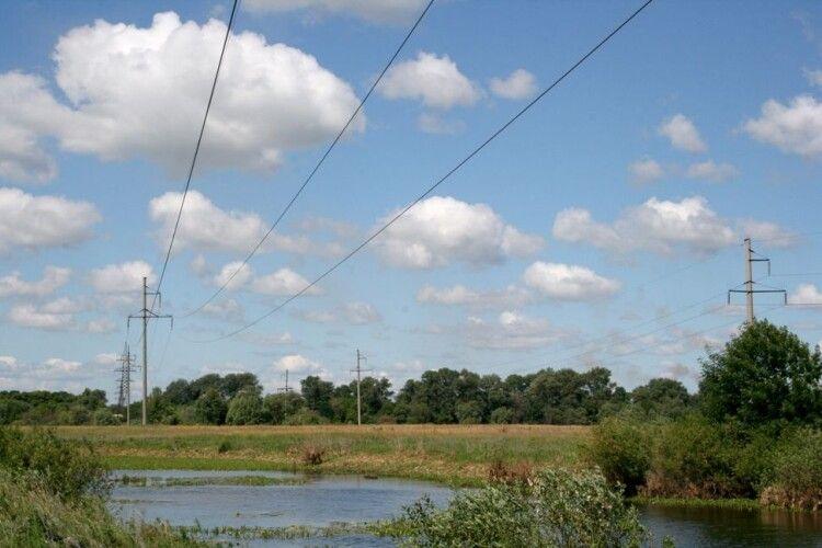 Під час риболовлі загинув 17-річний юнак: телескопічною вудкою зачепив лінію електропередач