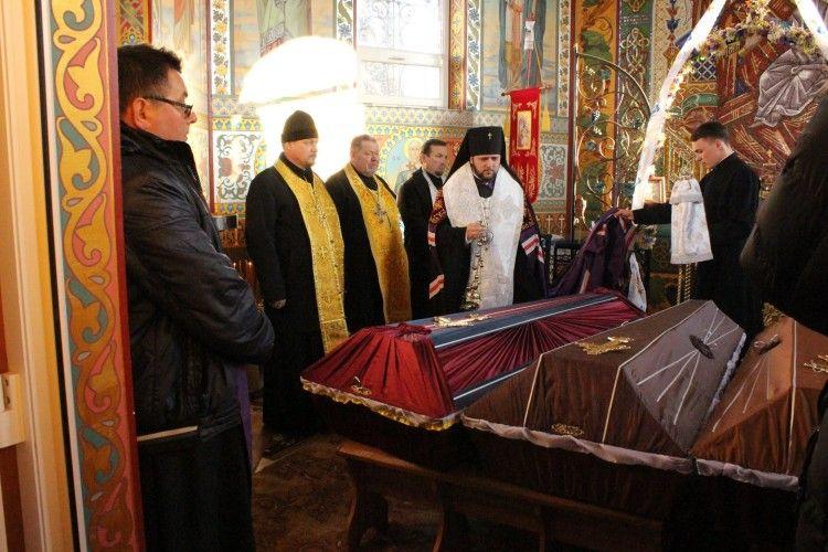 На Рівненщині православні священики перепоховали рештки черниць-кармеліток