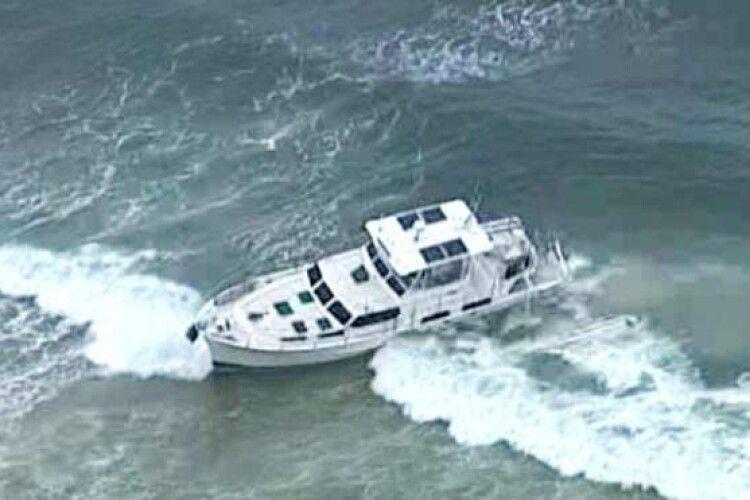 Біля курорту рятувальники знайшли яхту із заведеним мотором, але безлюдну