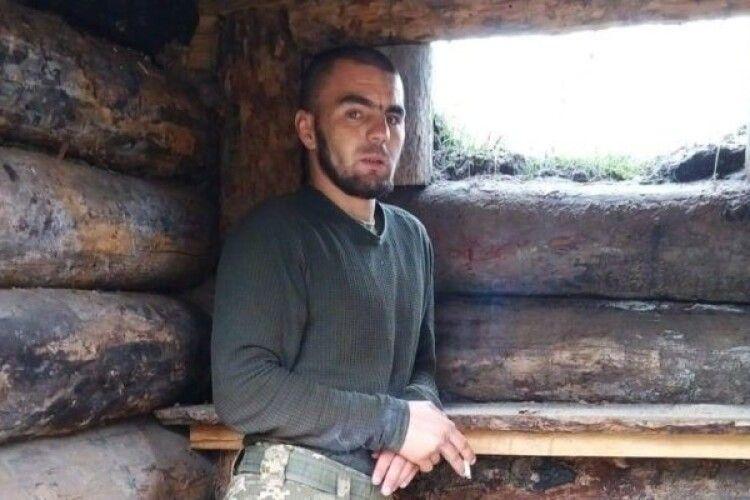 Снайпер РФ убив 24-річного Ярослава: рвався на фронт із 18 років, устиг одружитися і стати батьком (Фото)