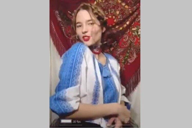 Юна волинянка Катерина прочитала реп-біографію Лесі (Відео)