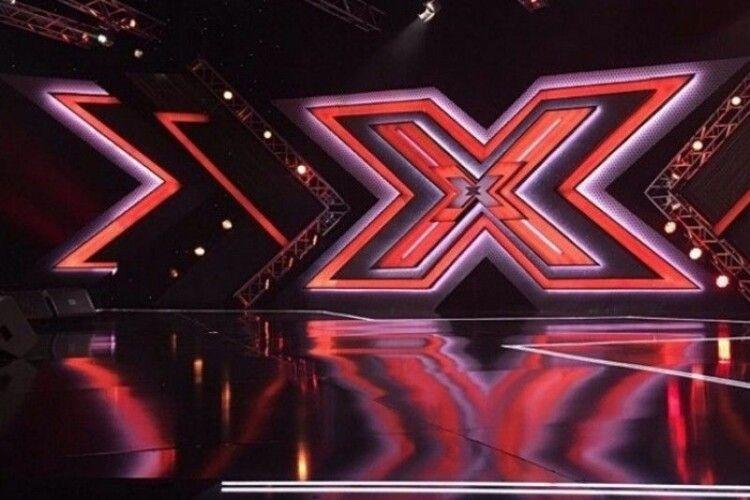 Учасник X-Фактора виявився аферистом: його спіймали «на гарячому» (Відео)