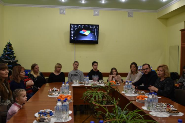 Новорічна зустріч для дітей загиблих учасників АТО відбулася у європейському форматі
