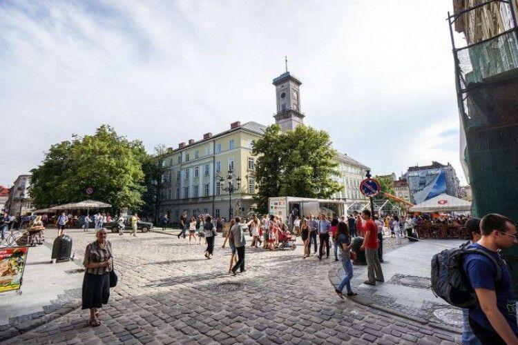 У Львові відмовляються від гучних святкувань