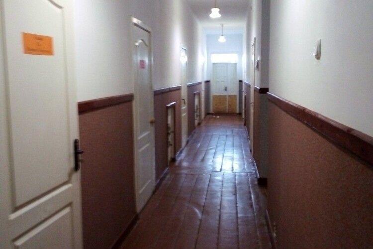 У Муравищах Ківерцівської ОТГ ремонтують шкільні коридори і шиють захисні маски