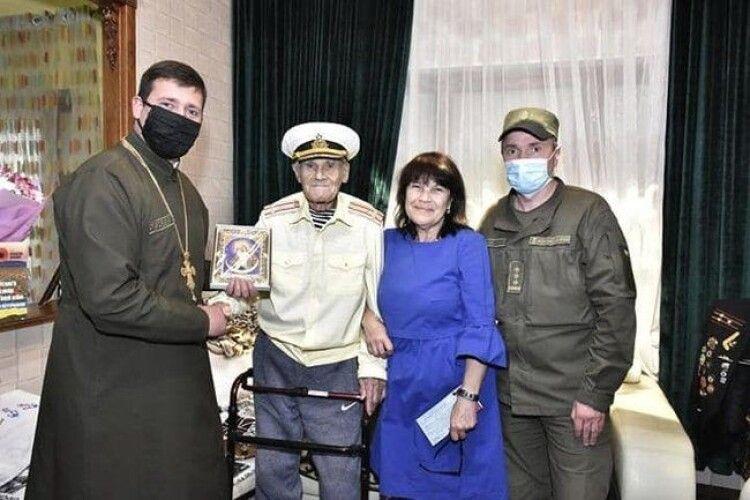 Ветерану Другої світової, який втратив онука у війні на Донбасі, Івану Залужному – 102