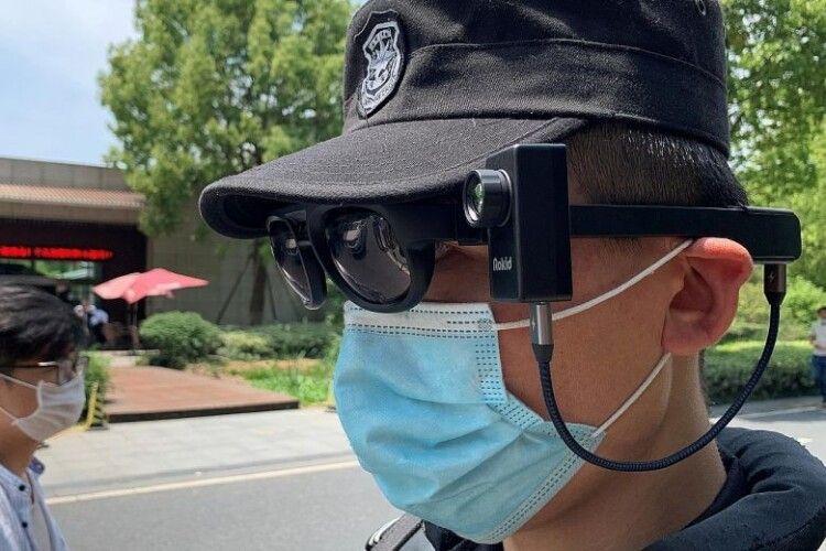 У Китаї створили окуляри для скринінгу «на ходу»