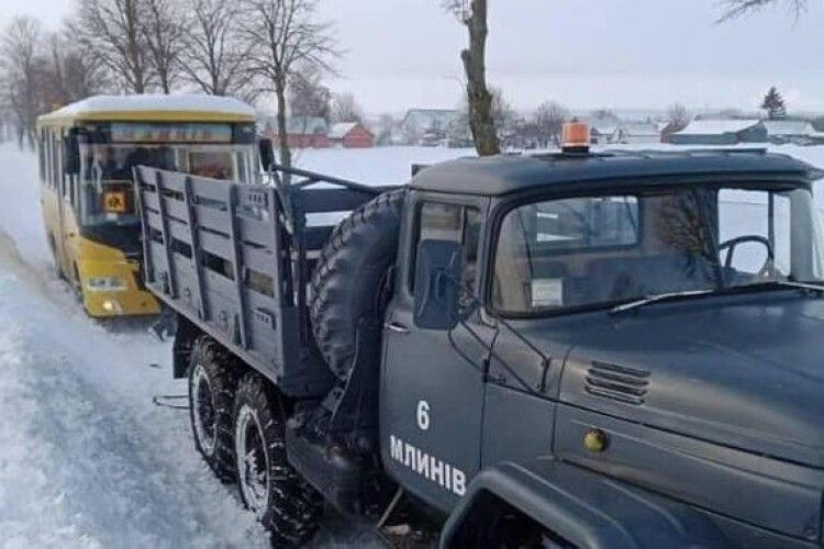 На Рівненщині 156 шкільних автобусів не пустили в рейс
