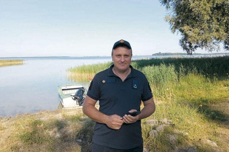 Рятувальник зіСвітязя Олександр Кицун: «Найбільше шокує, коли дітей беруть насередину озера без жилетів»