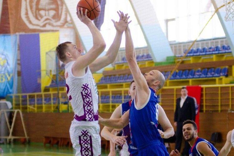 Луцькі баскетболісти знову перемогли Житомир