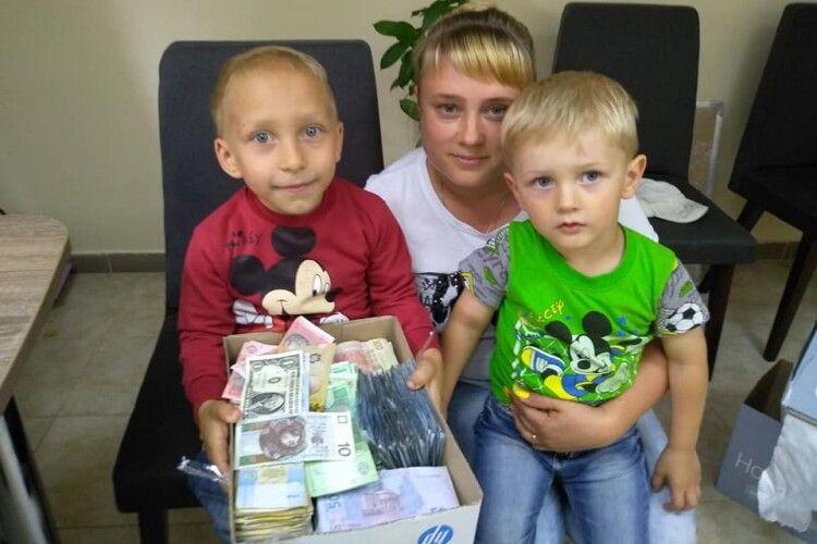 Під час благодійного ярмарку для маленького ковельчанина зібрали понад 19 тисяч гривень (Фото)