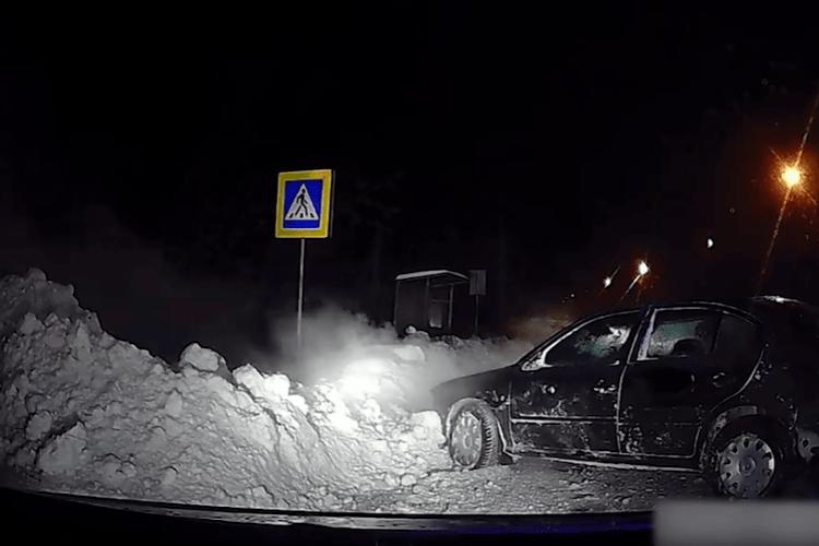 П'яний волинянин так втікав від поліцейських, що влетів у сніговий замет (Відео)