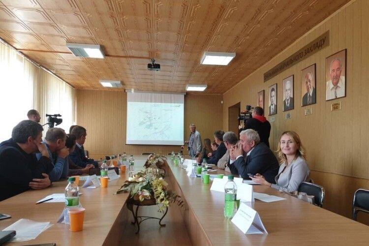 Проблему обміління волинських озер обговорювали чиновники та науковці