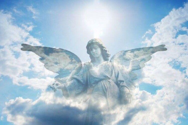 Киянин, який вистрибнув з п'ятого поверху, сприйняв патрульних за ангелів і покаявся (Відео)