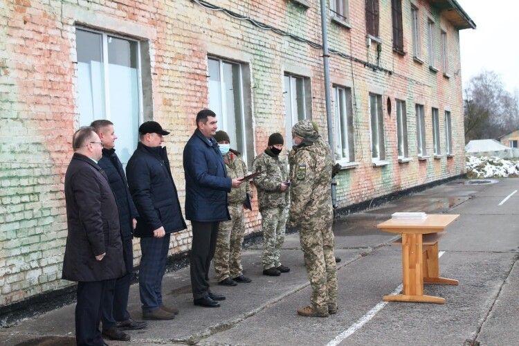 Заступника командира луцького аеродрому нагородили подякою Волинської обласної ради (Фото)