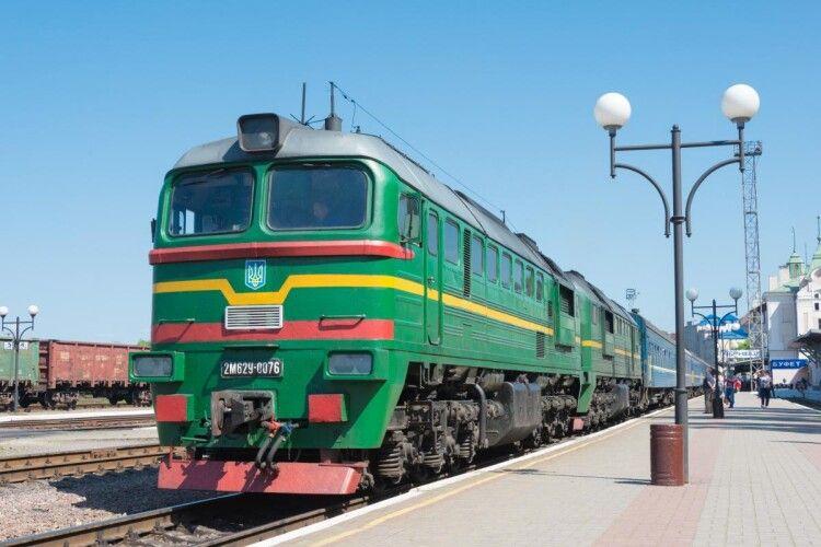 В «Укрзалізниці» лишилося дизельного пального на чотири доби