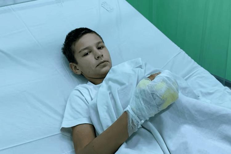Змусили вибирати між підпалом або сотнею ударів по голові: 12-річний хлопчик ледь не згорів заживо (Відео)