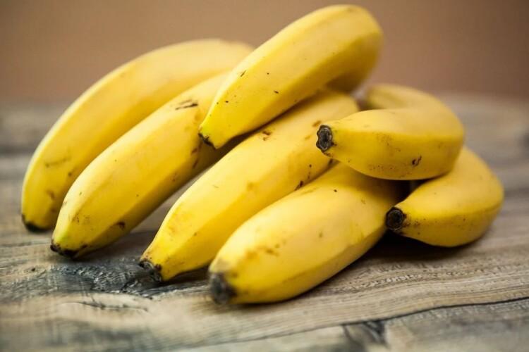 В Україні банани – дешевші за яблука і кавуни
