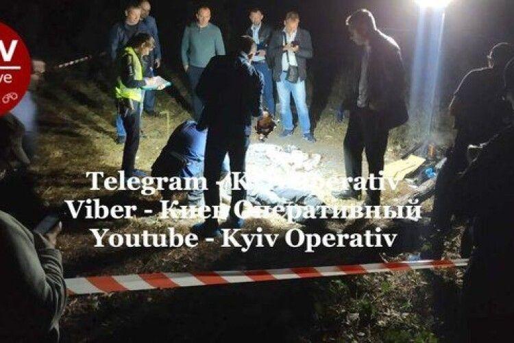 На Лисій горі в Києві знайшли тіло чоловіка з пробитою головою і ножицями в шиї