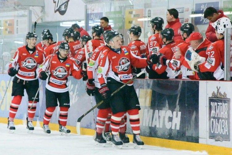 «Донбас» прямо на хокейному майданчику «облупив» «Броварських Вовків» – 19:0…