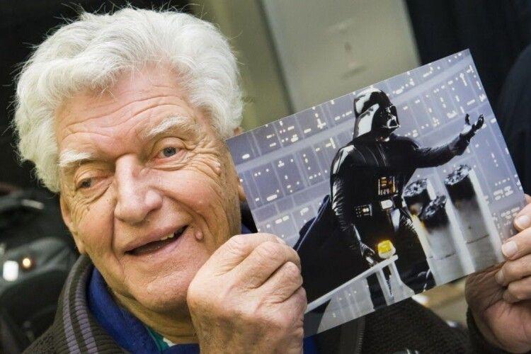 Помер актор, який виконав знамениту роль Дарта Вейдера в «Зоряних війнах»
