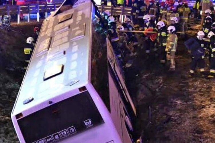 Смертельна аварія автобуса з українцями у Польщі: повідомили деталі ДТП