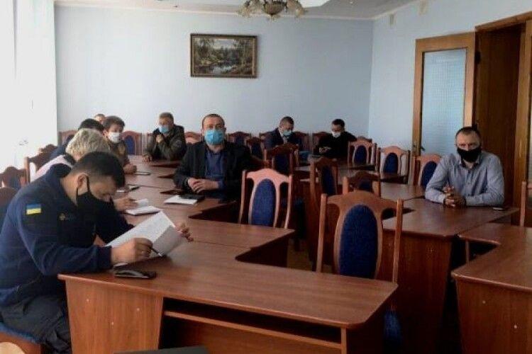7 жителів Камінь-Каширщини покарали за спалювання сухостоїв