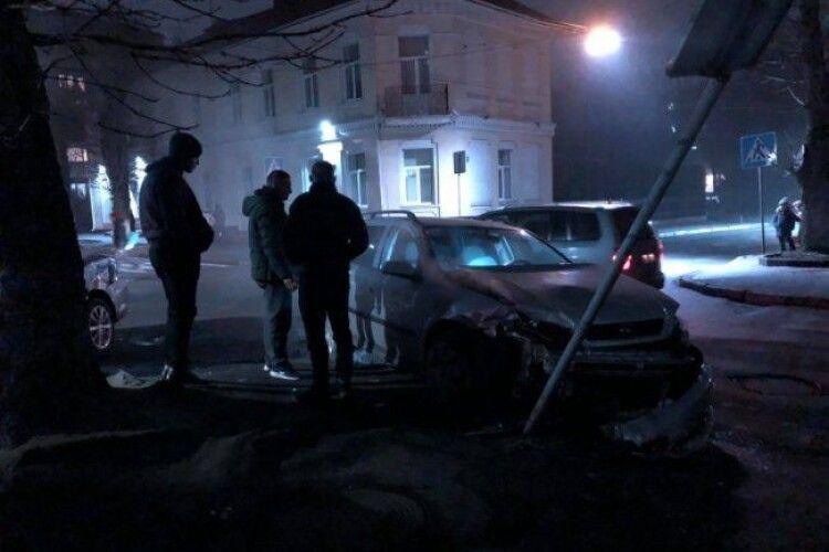 У Луцьку на перехресті – аварія (Фото)