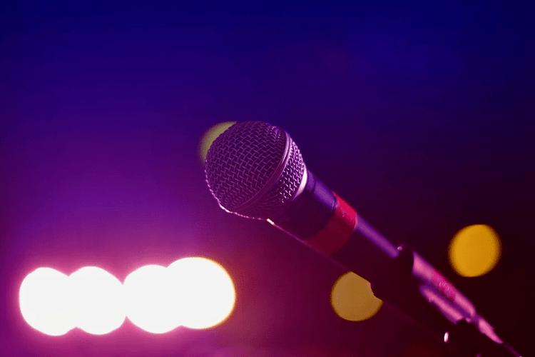 Легендарна співачка припиняє музичну кар'єру (Фото)