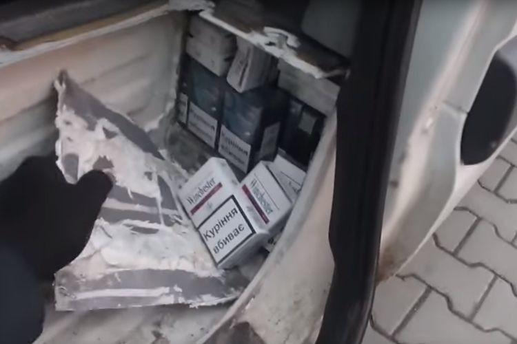 Службовий собака допоміг виявили на кордоні контрабандний тютюн