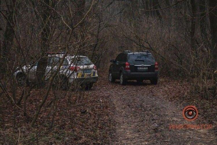 Знайшли труп чоловіка без внутрішніх органів і з обгризеними ногами (Фото 18+)