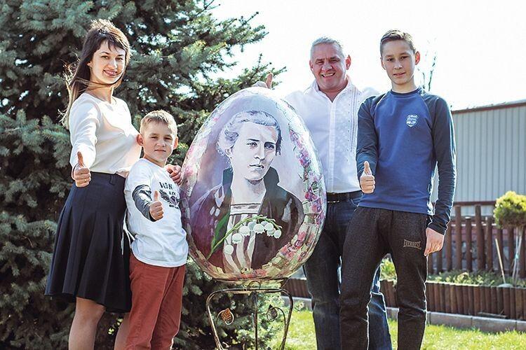 На гігантських писанках  Тетяни Токаревої – видатні українці
