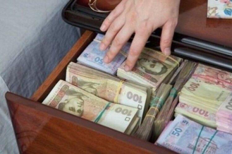 Асоціація міст пропонує впорядкувати сплату податку на доходи фізичних осіб