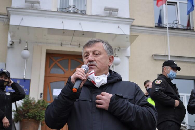 Богдан Шиба вийшов з лучанами на мітинг проти «коронавірусного» блоку в пологовому (Фото)