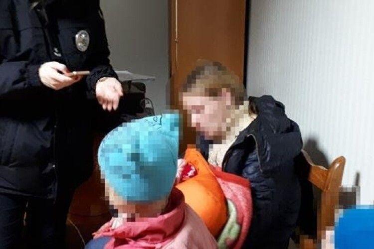 На Одещині під час бійки з чоловіком жінка кинула на землю тримісячну дитину, - поліція