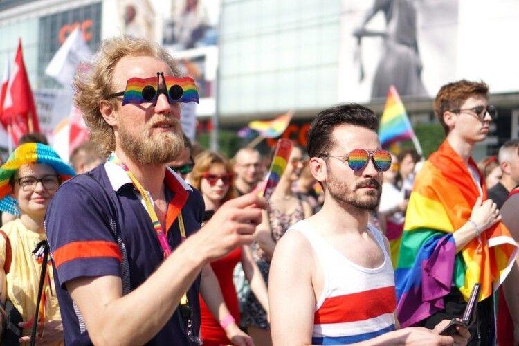 В Україні можуть запровадити покарання за критику ЛГБТ. Духовні лідери – проти