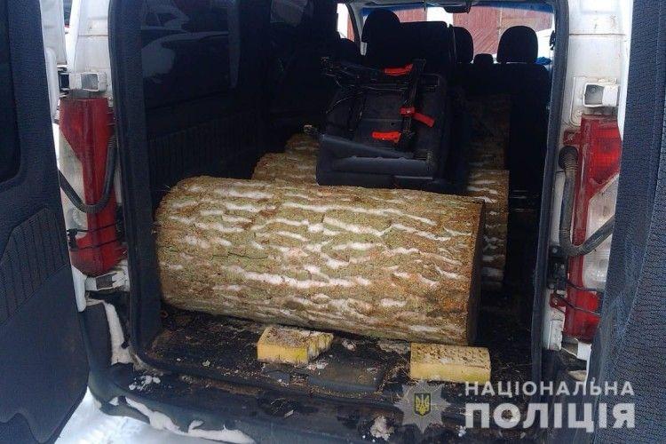 У Ківерцівському районі поліція вилучила деревину сумнівного походження
