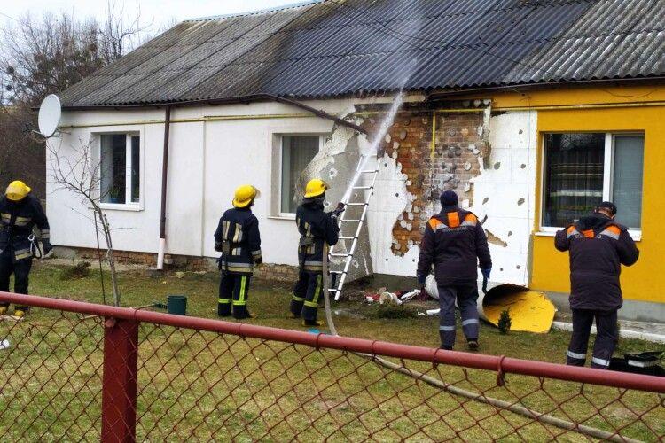 Через проблеми з газовим обладнанням у Луцьку загорілась хата