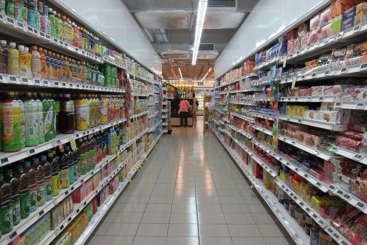 У супермаркеті чоловік вкрав шампунь і відкрив стрілянину (Відео)