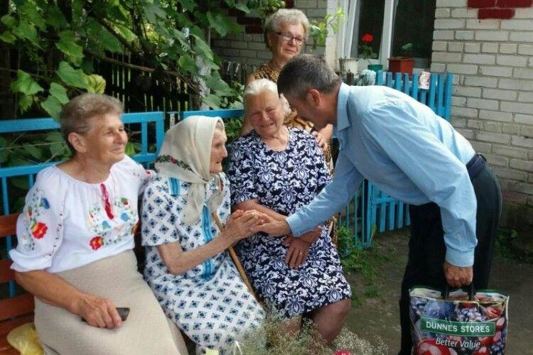 Волинянка отримала на 100-літній ювілей неймовірний подарунок – народження ще одного праправнука (Фото)