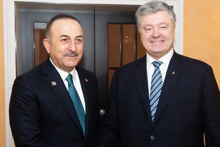 Петро Порошенко обговорив з міністром закордонних справ Туреччини Мевлютом Чавушоглу безпеку у Чорному морі