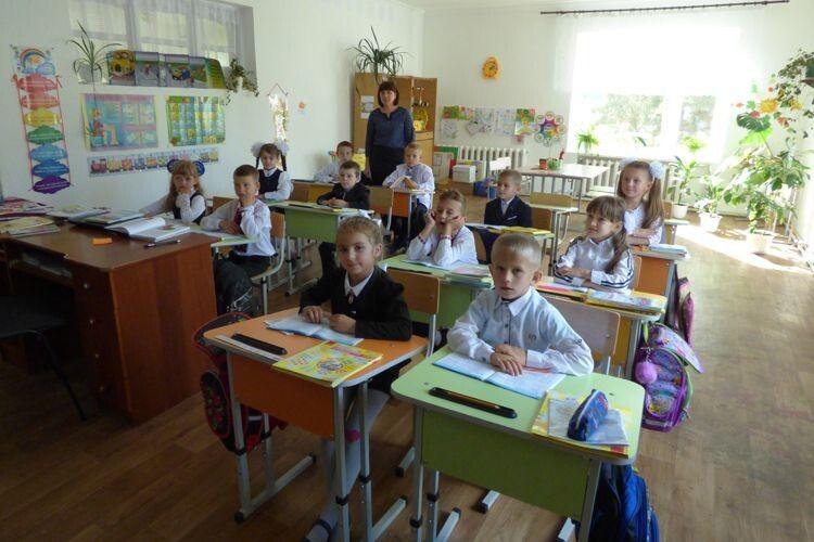 На Волині учні молодших класів навчаються удитячому садку