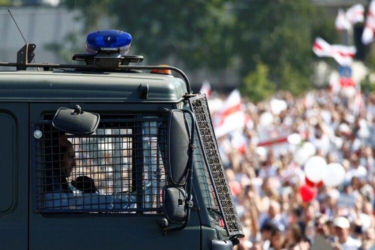 Лукашенко визнав, що на боротьбу з протестувальниками кинули армійських спецпризначенців