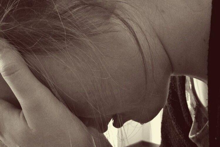 Нелюд-недоросток, який зґвалтував у Полтаві п'ятирічну дівчинку, може уникнути кримінальної відповідальності