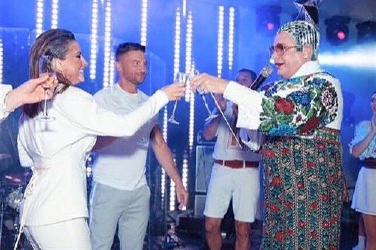 А Вєрка Сердючка забавляла… російську «еліту»